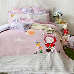 義大利Fancy Belle 雙人純棉貼布繡防蹣抗菌吸濕排汗兩用被床包組-貝拉兔郊遊趣