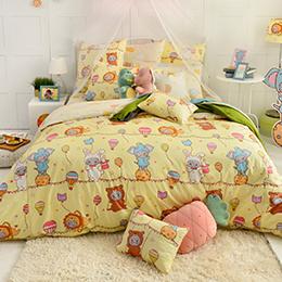 義大利Fancy Belle X DreamfulCat 雙人純棉防蹣抗菌吸濕排汗兩用被床包組-夢想馬戲團