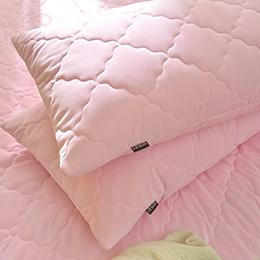 義大利La Belle《粉漾素色》涼感抑菌防水信封式保潔枕套--2入