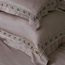 義大利La Belle 特大天絲蕾絲防蹣抗菌兩用被床罩組-查理國王
