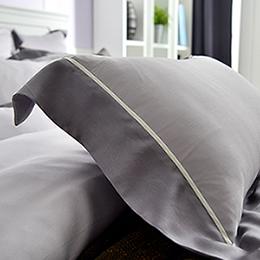 義大利La Belle《法式經典-灰》加大天絲拼接四件式防蹣抗菌舖棉兩用被床包組