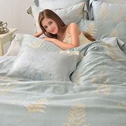 義大利La Belle 雙人天絲防蹣抗菌舖棉兩用被床包組-靜凝沁語