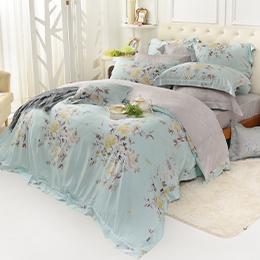義大利La Belle 特大天絲防蹣抗菌舖棉兩用被床包組-春氛絮影