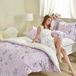 義大利La Belle《紫宴花音》加大防蹣抗菌吸濕排汗兩用被床包組