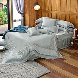 義大利La Belle《法蘭克》特大天絲蕾絲四件式防蹣抗菌吸濕排汗兩用被床包組