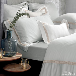 義大利La Belle《薩爾瓦-金》加大天絲蕾絲防蹣抗菌吸濕排汗兩用被床包組